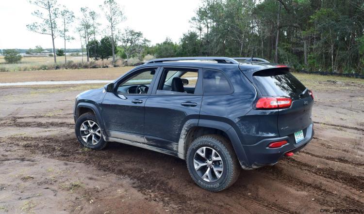 2017 Jeep Cherokee TRAILHAWK 22