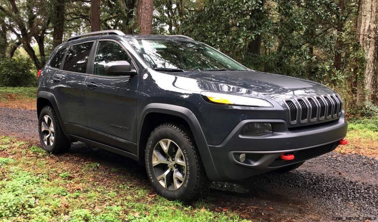 2017 Jeep Cherokee TRAILHAWK 58