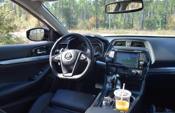 2017 Nissan Maxima SR Midnight Edition - Interior 4