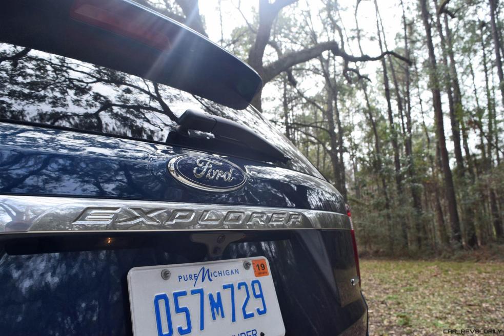 2017 Ford Explorer PLATINUM Exterior 23