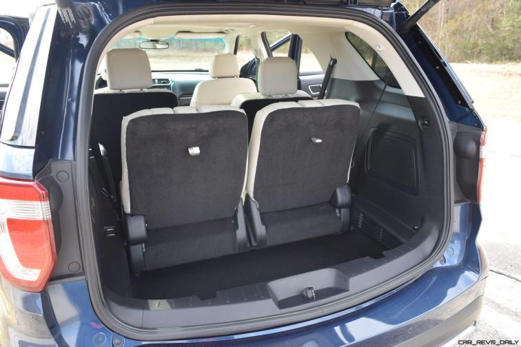 2017 Ford Explorer Platinum - Interior 17
