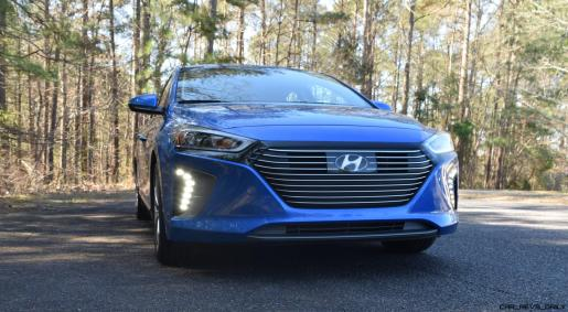 2017 Hyundai Ioniq Hybrid 1