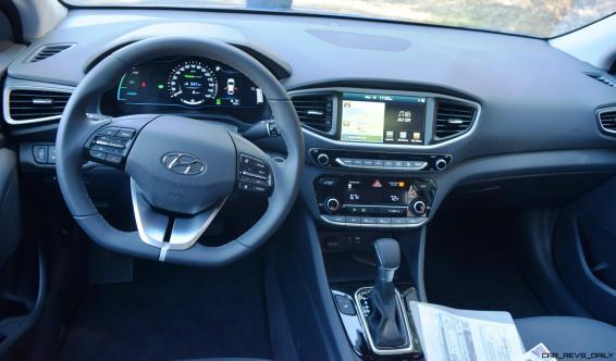 2017 Hyundai Ioniq Hybrid 27