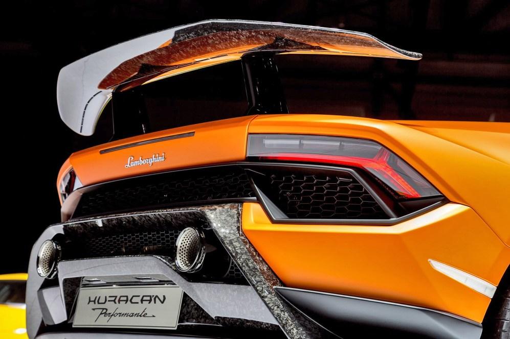 2017 Lamborghini Huracan PERFORMANTE 18
