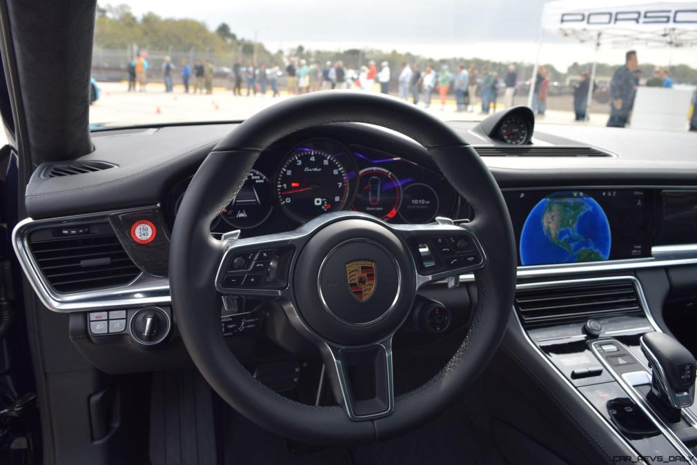 2017 Porsche Panamera TURBO Interior 6
