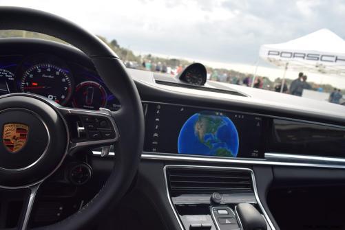 2017 Porsche Panamera TURBO Interior 8