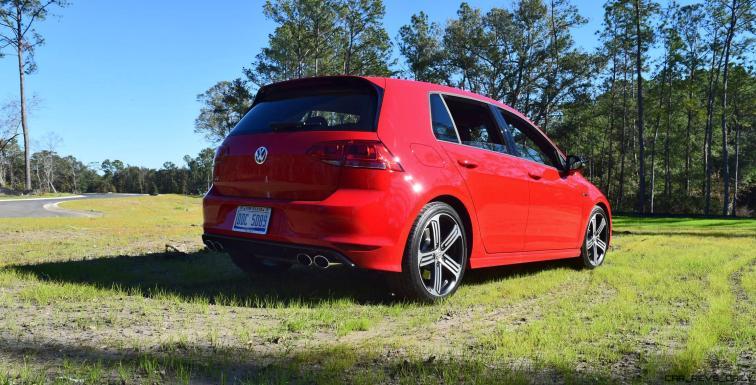 2017 VW Golf R Review 34