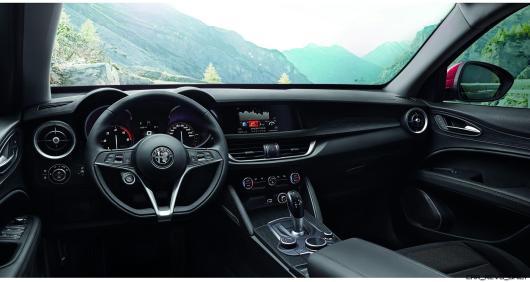 2018 Alfa Romeo STELVIO64