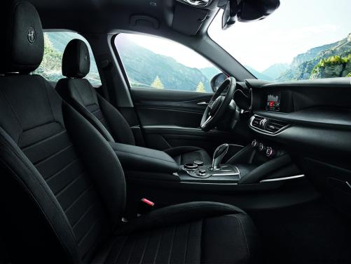 2018 Alfa Romeo STELVIO69