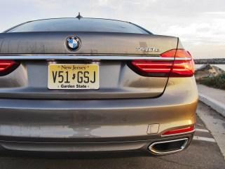 2017 BMW 740e 18