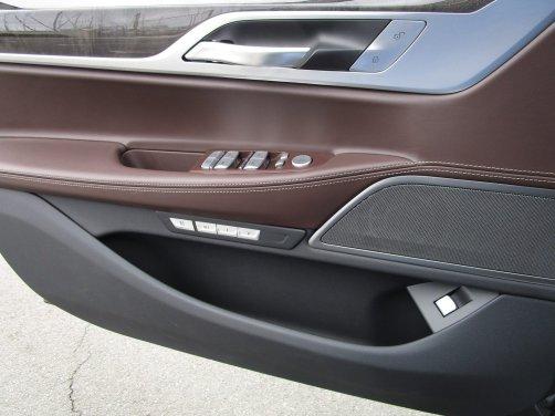 2017 BMW 740e Interior 25