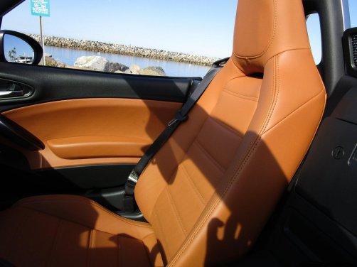 2017 Fiat 124 Spider Lusso INTERIOR 5
