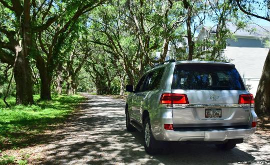 2017 Toyota LAND CRUISER Oak Driveway 12