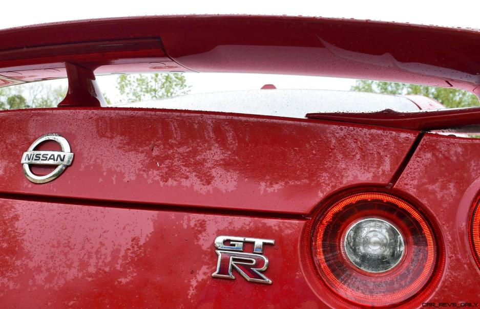 2017 Nissan GT-R Review 38