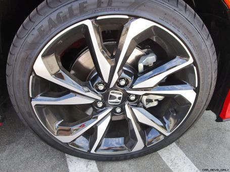 2017 Honda Civic Si Sedan 11