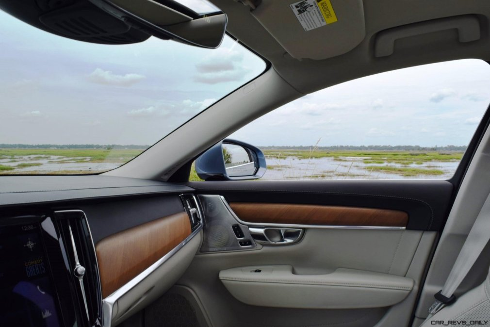VOLVO S90 T6 AWD Interiors 12