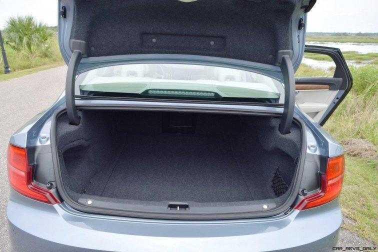 VOLVO S90 T6 AWD Interiors 13