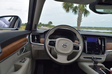VOLVO S90 T6 AWD Interiors 7