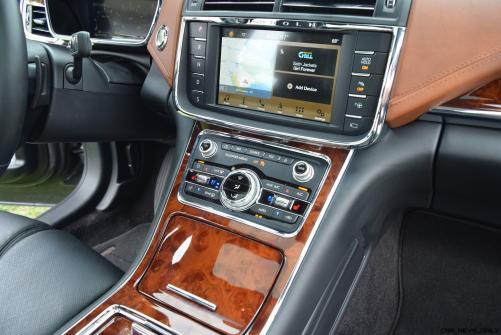 Lincoln Continental 2017 Interior 8