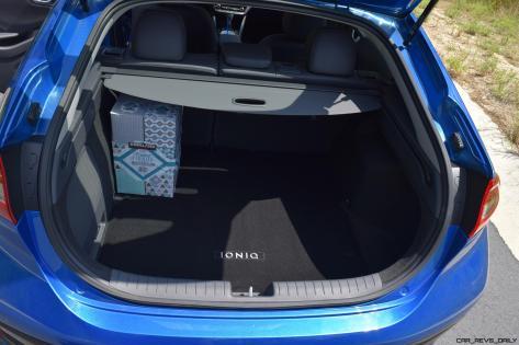 2017 Hyundai Ioniq Hybrid INTERIOR 6