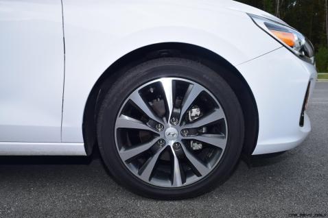 2018 Hyundai Elantra GT 19