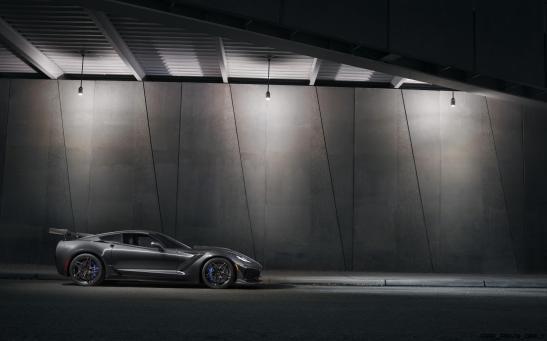 2019-Chevrolet-Corvette-ZR1-001