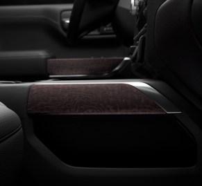 2019 GMC Sierra Denali authentic open-pore wood trim