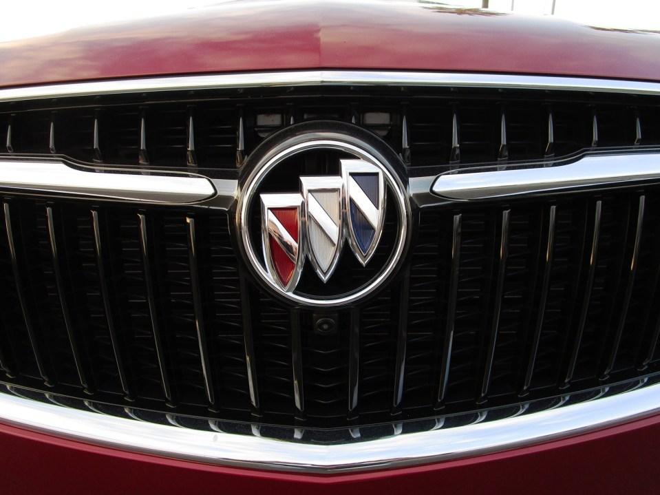 2018 Buick ENCLAVE Exterior 3