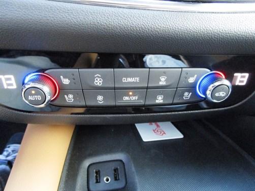 2018 Buick ENCLAVE Interior 31