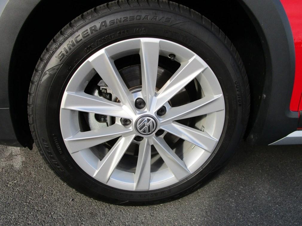 2018 VW Golf Alltrack Exterior 8