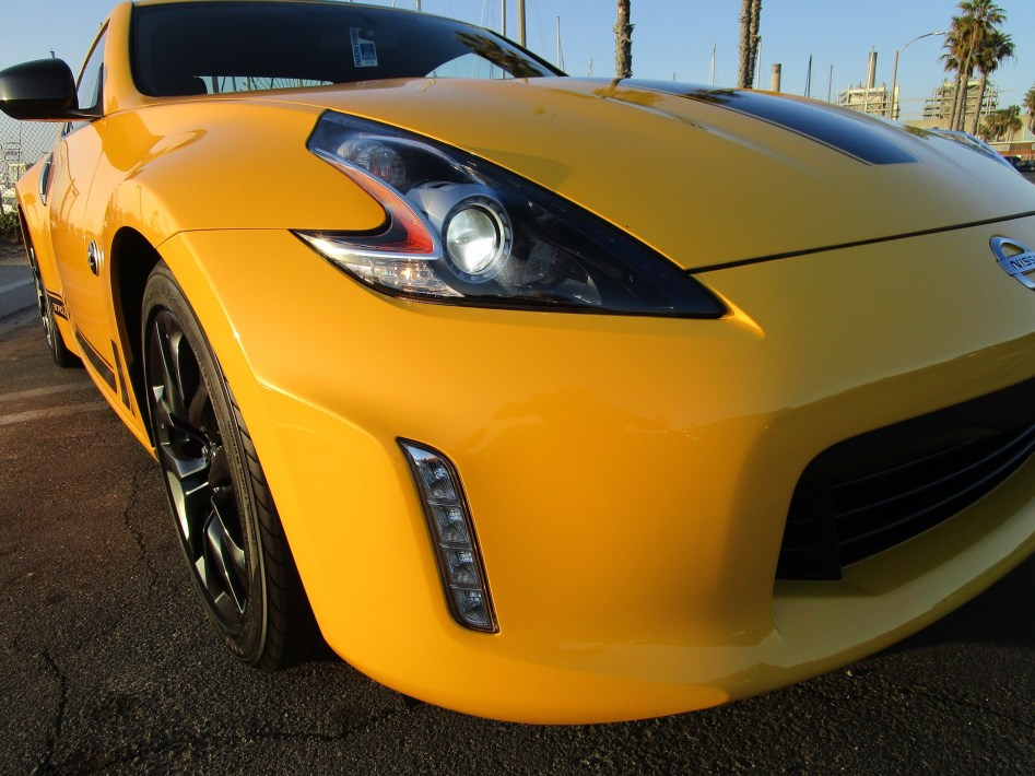 2018 Nissan 370Z Coupe Heritage Edition 3