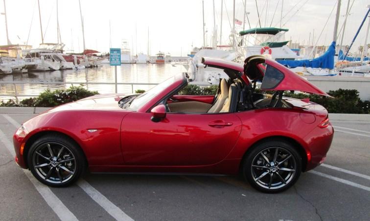 2018 Mazda MX-5 Miata RF 16