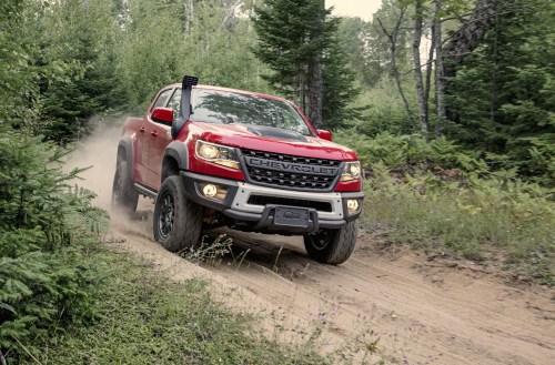 2019-Chevrolet-Colorado-ZR2-Bison-001