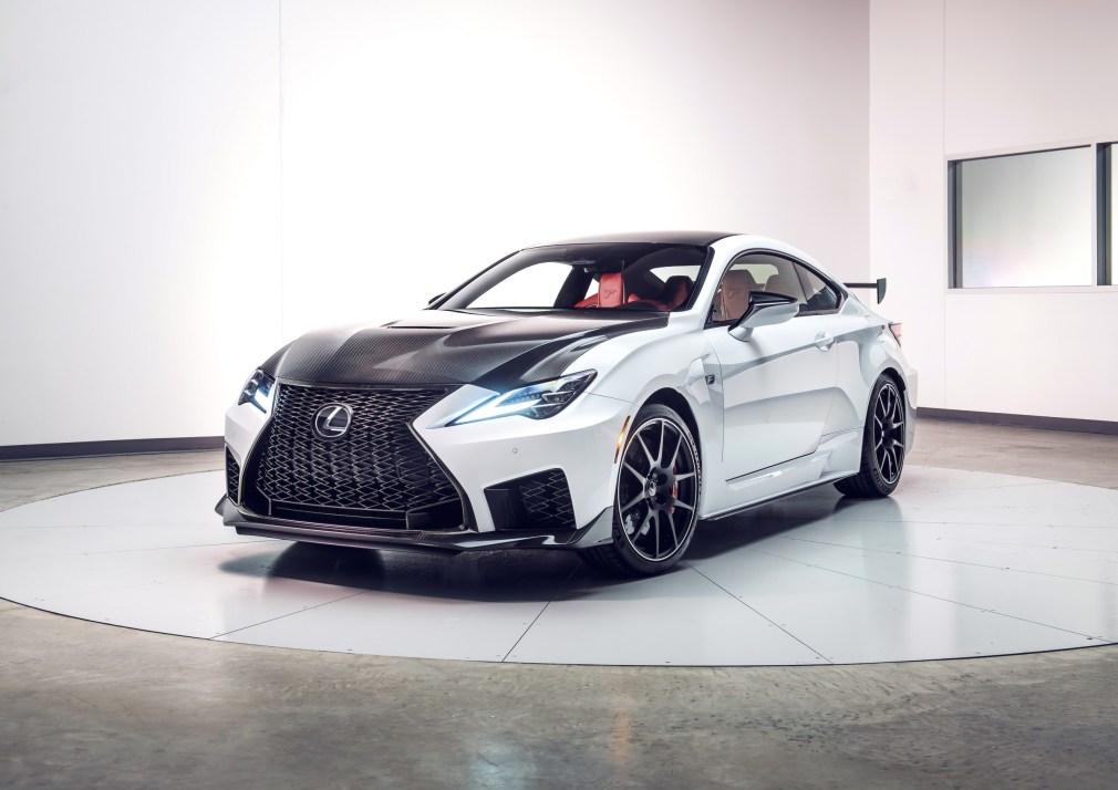 2020_Lexus_RC_F_Track_Edition_10_B714F712191D4B50FDBD01655171D311D1D40C4C
