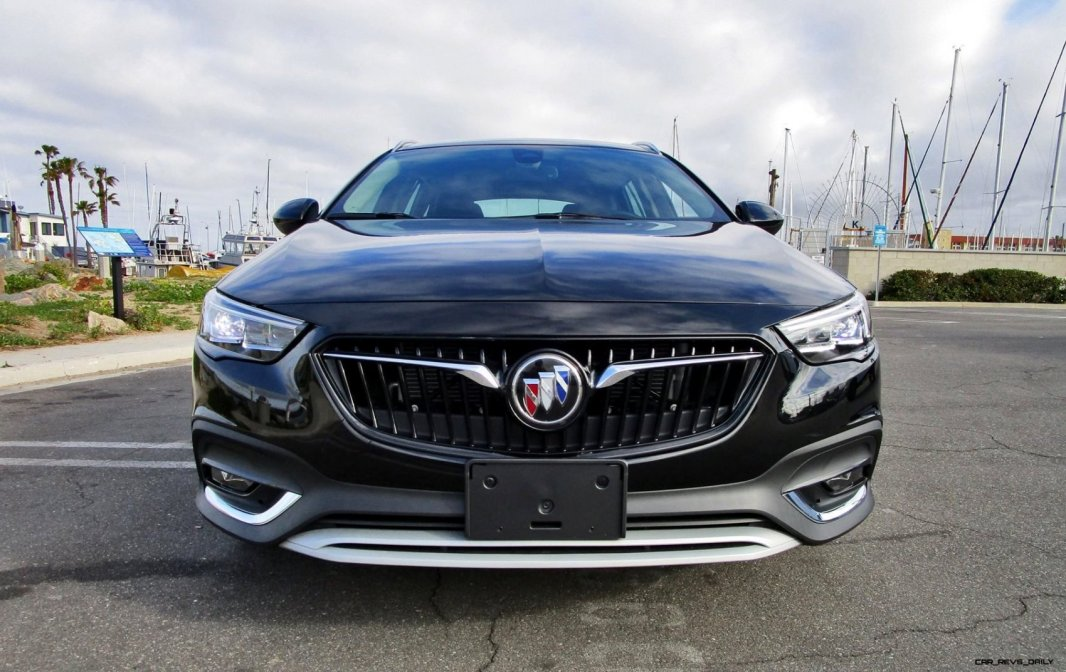 2019 Buick Regal TourX 12