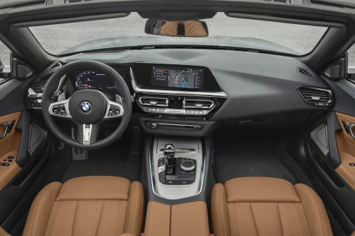 P90318575_highRes_the-new-bmw-z4-roads