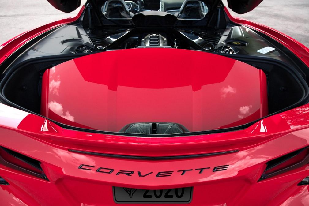 2020-Chevrolet-Corvette-Stingray-059