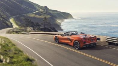 2020-Chevrolet-Corvette-Stingray-Convertible-002