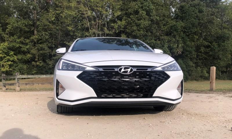 2019 Hyundai Elantra Sport (14)