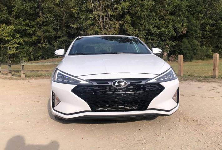 2019 Hyundai Elantra Sport (15)