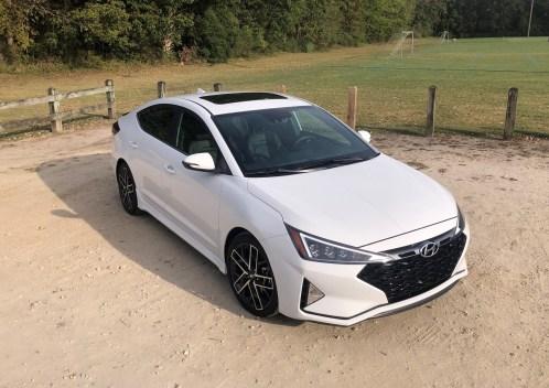 2019 Hyundai Elantra Sport (18)