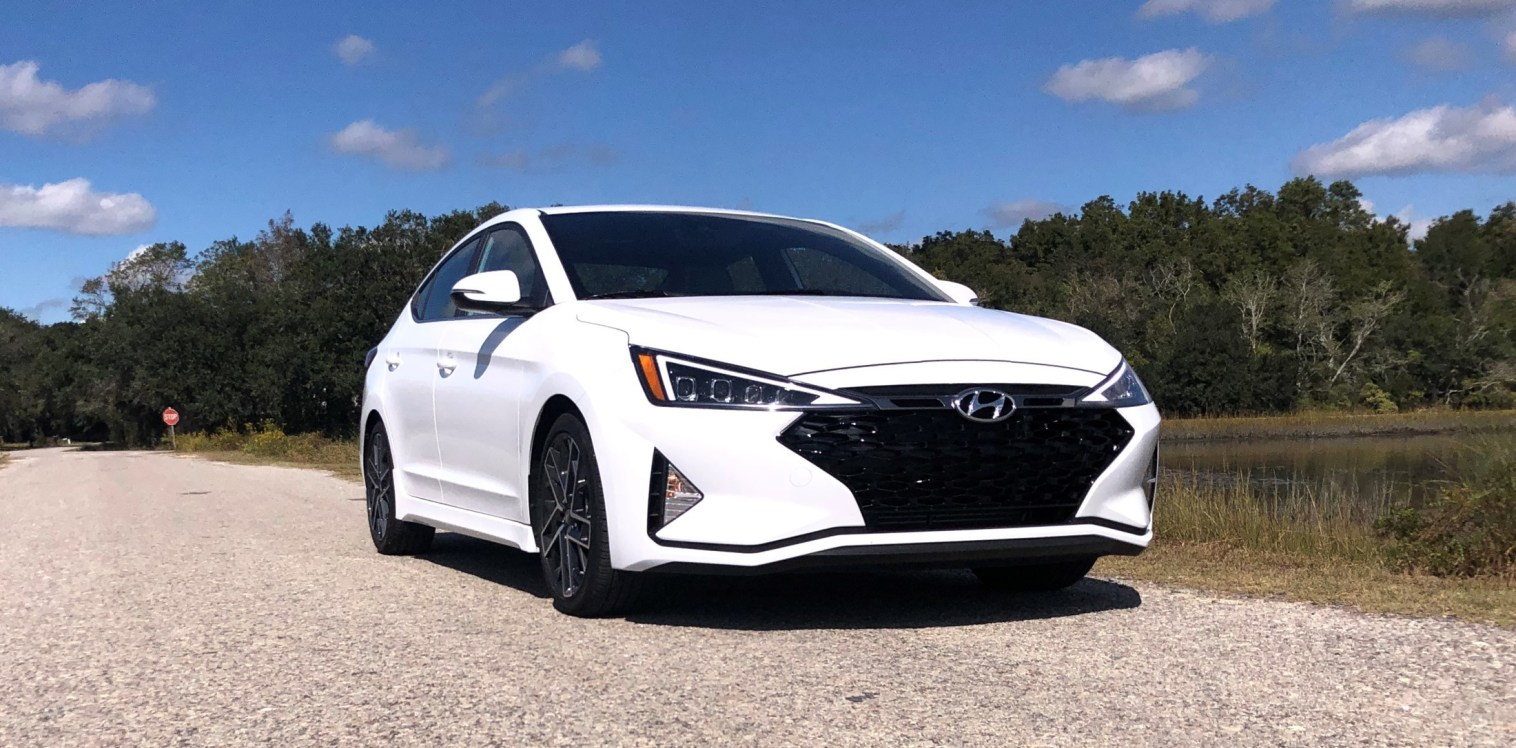 2019 Hyundai Elantra Sport (39)