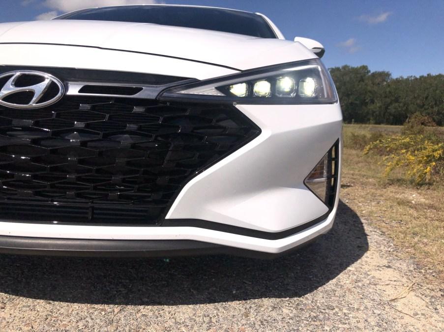 2019 Hyundai Elantra Sport (4)