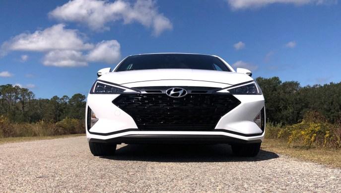 2019 Hyundai Elantra Sport (42)