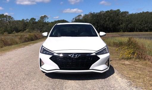 2019 Hyundai Elantra Sport (44)