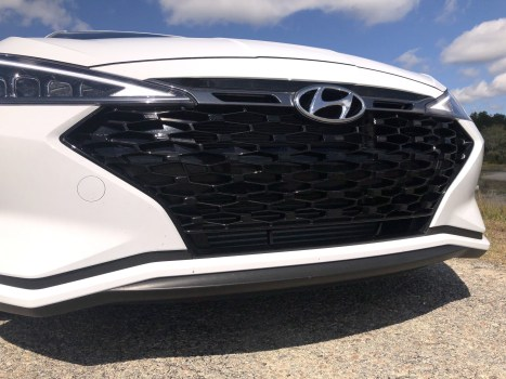 2019 Hyundai Elantra Sport (46)
