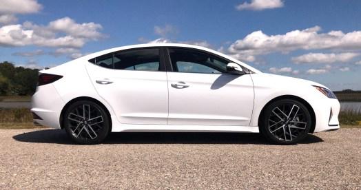 2019 Hyundai Elantra Sport (54)