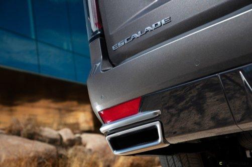 2021-Cadillac-Escalade-040