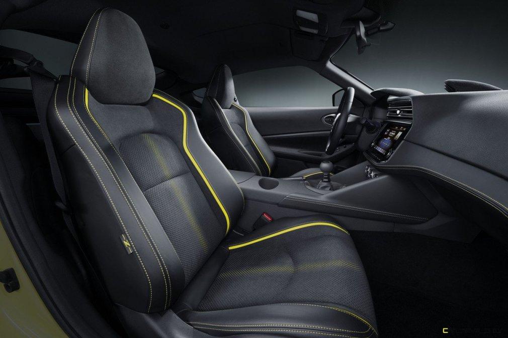 Nissan_Z_Proto_Interior_over view 02-1200x800
