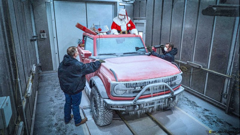 2021 Ford Bronco christmas picture